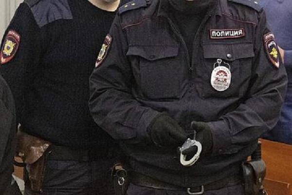 Россиянин пришел извиняться к зарезанному им же соседу и попался полиции
