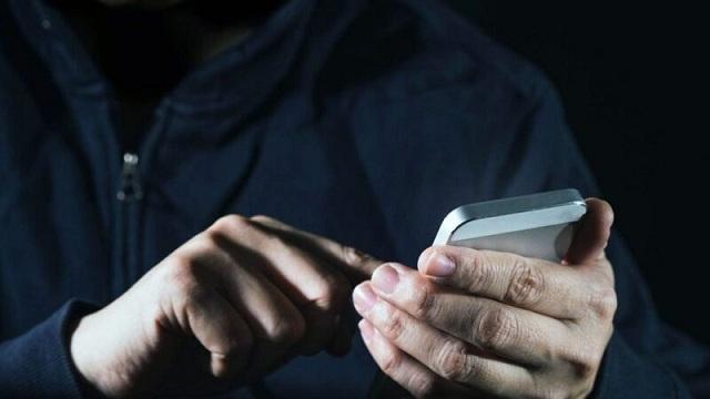 Тайное списания денег с абонентов мобильными операторами продолжится. Власть помогает сохранить «схему» на 3 млрд?