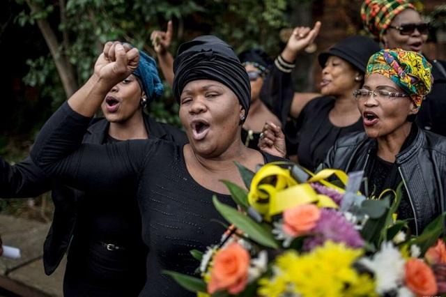 В ЮАР, где разрешено многоженство, предлагают узаконить и многомужество