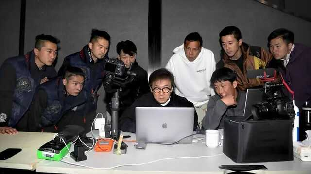 Актер Джеки Чан заявил, что хочет вступить в Коммунистическую партию Китая