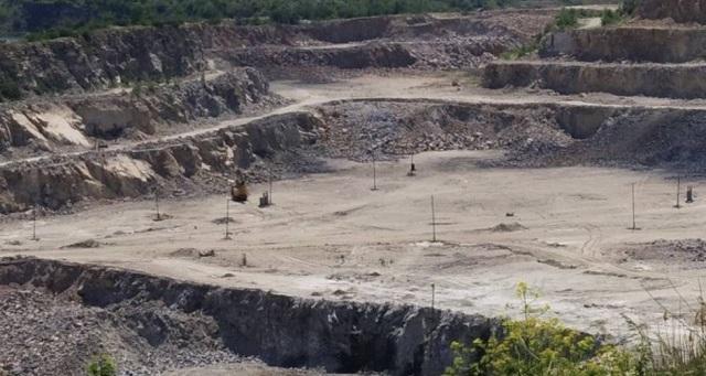 В Запорожье директора карьера подозревают в незаконной добыче ископаемых