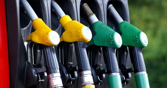 Слава растворителям, или что может объединять топливо на заправках SUNOIL, MOTTO и БРСМ