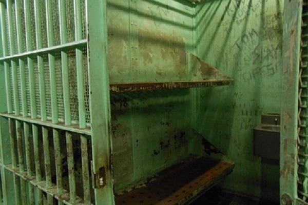 Подземной тюрьмой под Петербургом владели экс-сотрудник ФСИН и похититель людей