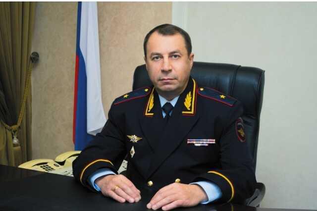 Главу ГУ МВД Ставрополья уволили из-за золотого дворца у подчинённого