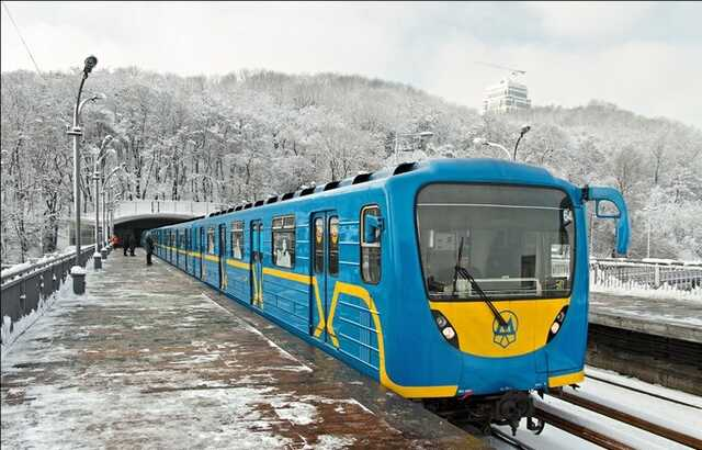 Убыточный «Киевский метрополитен» потратит больше 7 млн грн на элитную компьютерную технику, но жалуется на нехватку денег