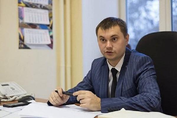 Попавшего под следствие российского чиновника отпустили под обязательство о явке