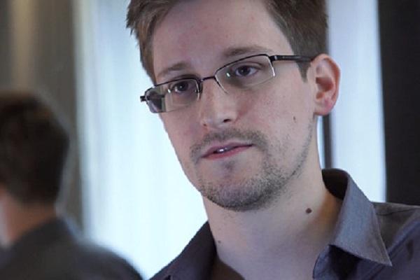 Сноуден оценил возможность взломать американские телефоны