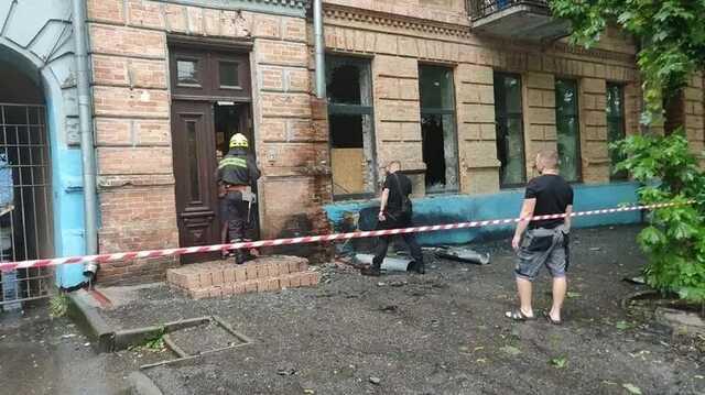 В Днепре прогремел взрыв, на первом этаже дома вылетели стекла