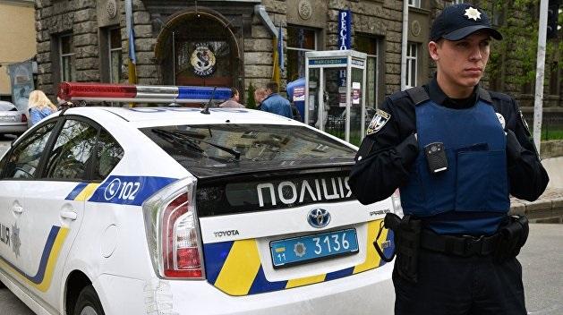 В Днепре пьяный мужчина зарезал местного жителя и тащил труп по улице