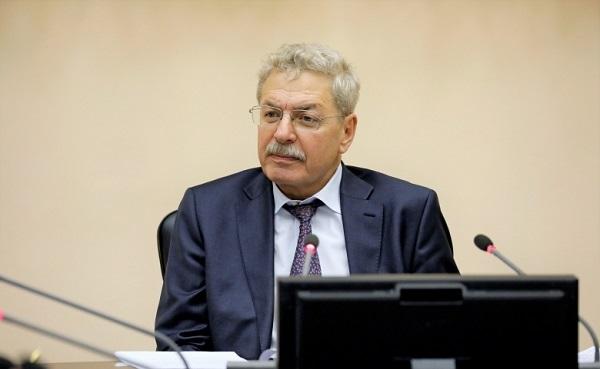 Помощником главы АП может стать скрывающий 10 квартир Анатолий Яновский