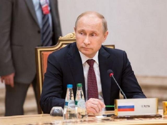 Дежавю. Зачем ставленники министра Мантурова держат Путина в облаках