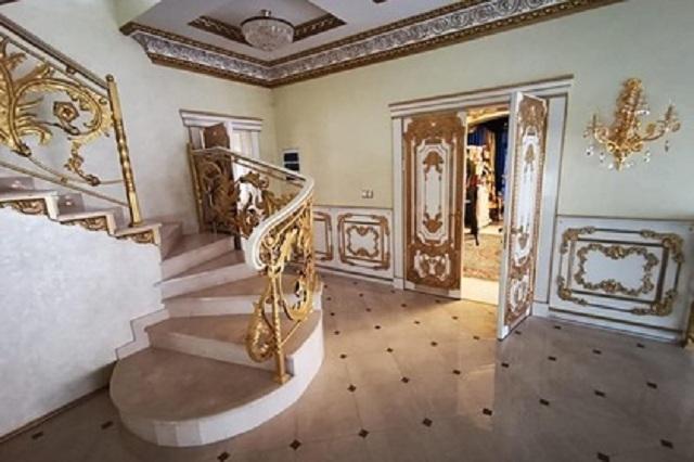 Любовница главы ГИБДД Ставрополья захотела вернуться в «золотой дворец»