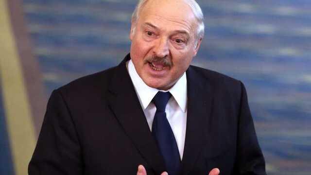 Лукашенко отказался от части полномочий