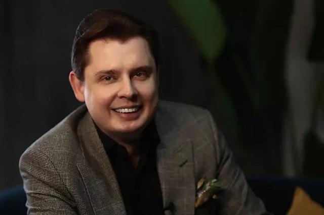 «Альфа-банк» смотрит на клиентов глазами Евгения Понасенкова