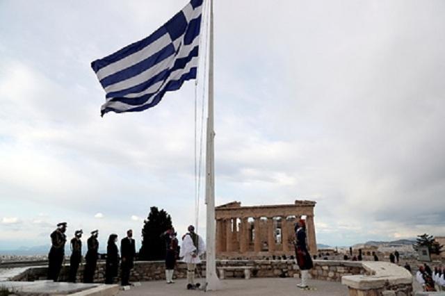 В Греции осудили 34 россиян в связи с перевозкой нелегалов