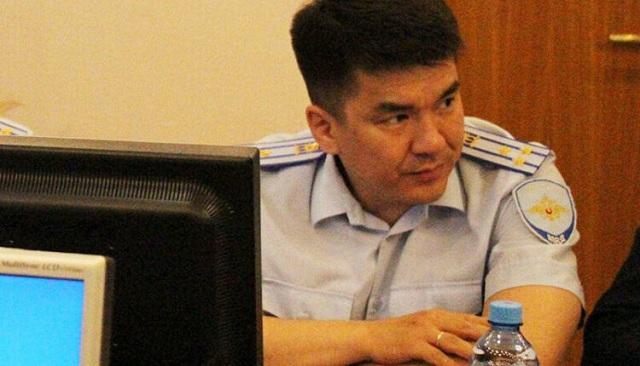07:19 В Бурятии высокопоставленный полицейский задержан за крупную взятку, полученную от адвоката