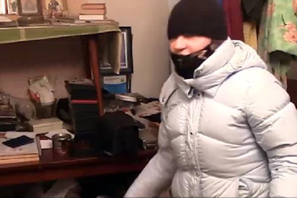 Россиянка зарезала домогавшегося её знакомого и спрятала его в шкафу