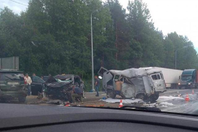 В российском регионе один человек погиб и восемь пострадали в аварии