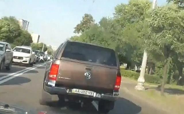 НАБУ показало видео погони за СБУшниками, которые везли Чауса