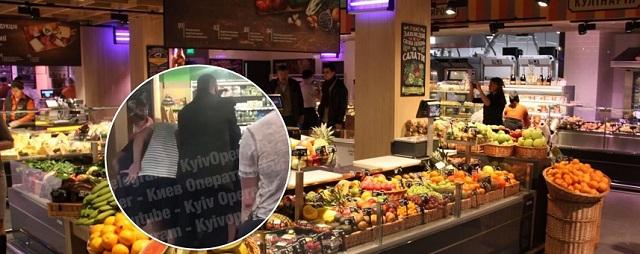 В Киеве в магазине на Оболони покупатели устроили массовую драку