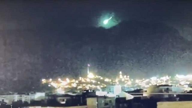 В охваченной пожарами Турции упал метеорит