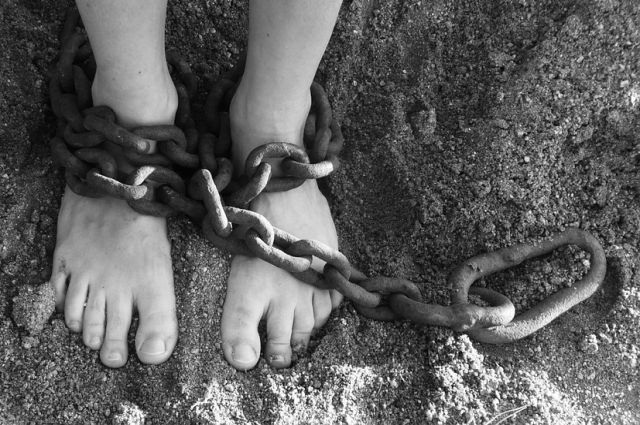 «Самые дорогие рабы — дети»: как устроен рынок рабского труда в России