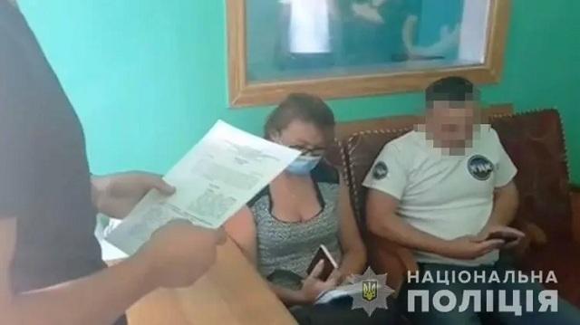 В Винницкой области пассажир микроавтобуса угрожал патрульным, показал половой орган и скрылся