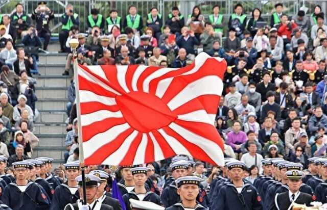 В Японии начались протесты против России: десятки людей требуют вернуть Курилы