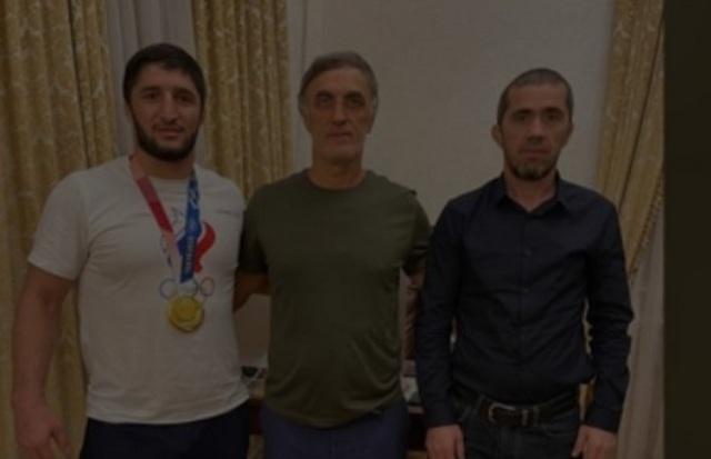Депутат ГД от Дагестана подарил олимпийцу 1 млн долларов. Это в 8 раза больше его дохода