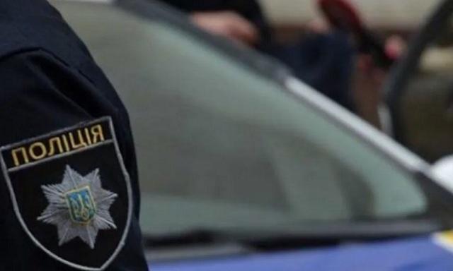 В Киеве разъяренная полтавчанка избила парня до разрыва селезенки