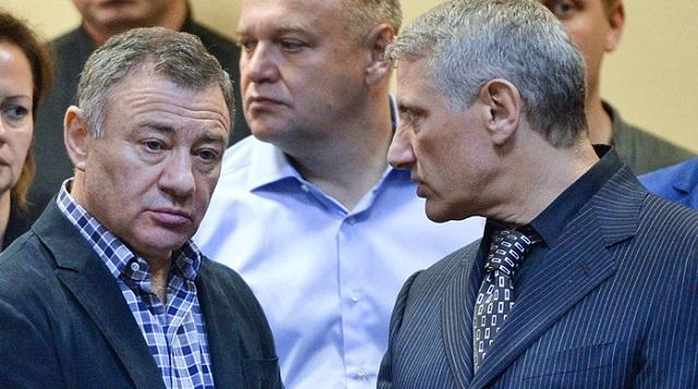 Как друзья Владимира Путина «обувают» Россию