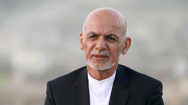 Президент Афганистана получил убежище в ОАЭ и обратился к нации