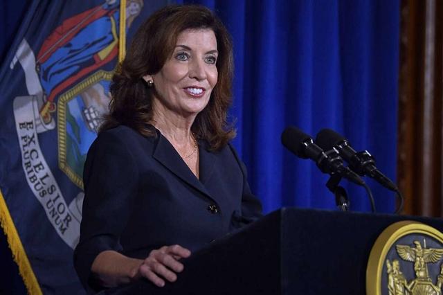 Губернатором Нью-Йорка впервые стала женщина
