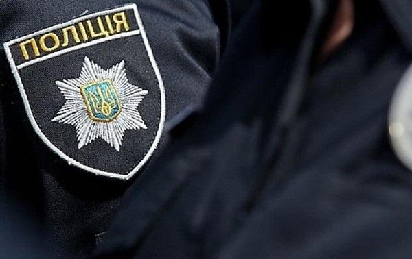 В Киеве двое полицейских похитили мужчину и вымогали 10 тыс. долларов