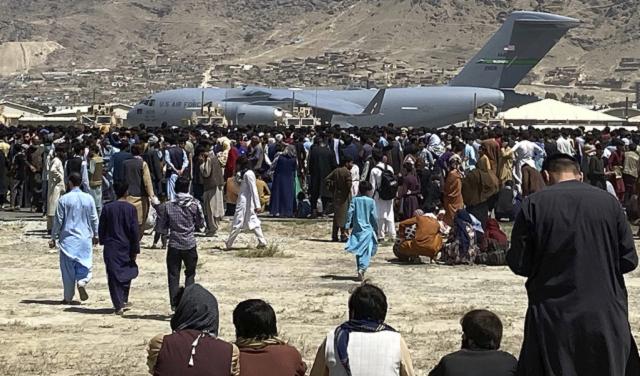 Талибы готовы взять под контроль аэропорт Кабула на этих выходных – СМИ