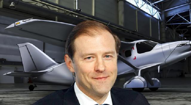 За бюджетные миллиарды рублей Мантуров заказывает самолеты у своих друзей