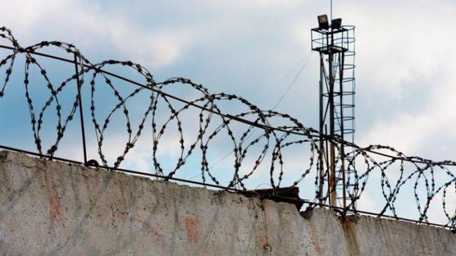 Зарубивший топором семью российский подросток избежал колонии