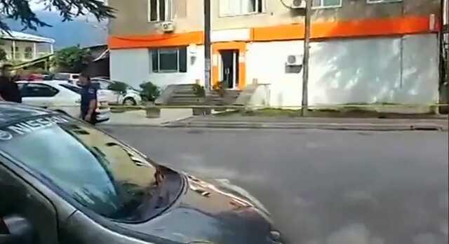 В Грузии задержали вооруженного мужчину, захватившего заложников в отделении банка