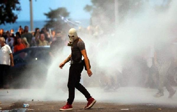 В Греции полиция разогнала протесты слезоточивым газом и водометами