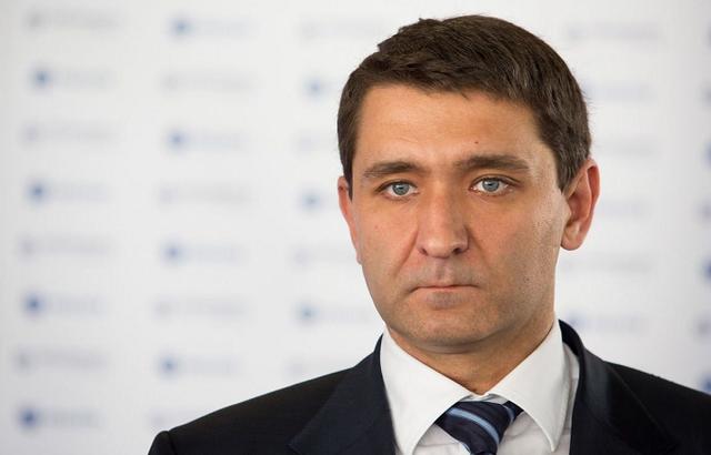 Глава ПАО Россети Андрей Рюмин продолжает коррупционную практику одиозного предшественника