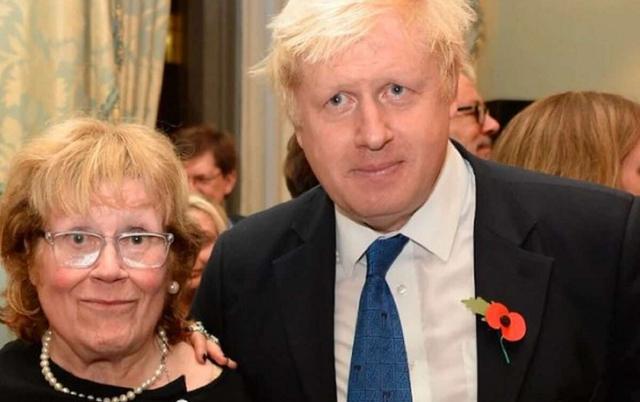 У премьера Великобритании Бориса Джонсона умерла мать