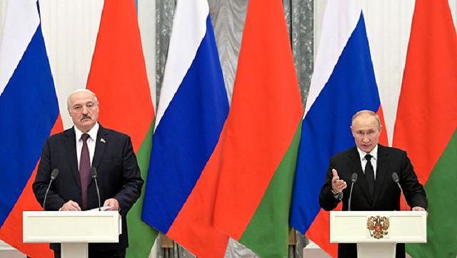 Холуй и барин: Путин и Лукашенко опять сыграли в дорожные карты