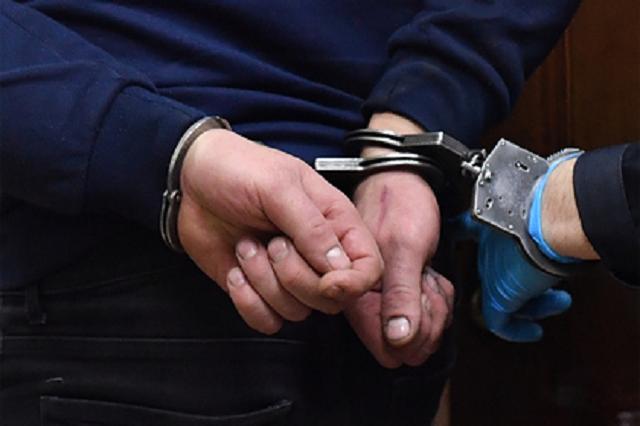Состоявший в группе наркоторговцев бывший российский полицейский сел на 7 лет