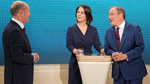 В книгах трех кандидатов в канцлеры Германии нашли плагиат – Bild