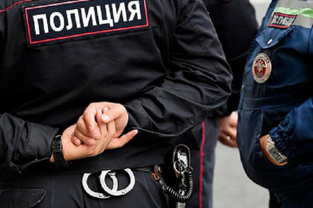 Полковник полиции заставил подчинённого отремонтировать свою машину