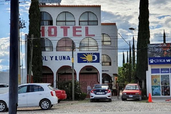 В Мексике боевики похитили десятки иностранцев из отеля