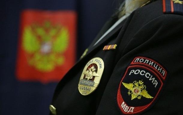 На россиянина напали с пистолетом и топором люди из ехавшей по обочине машины