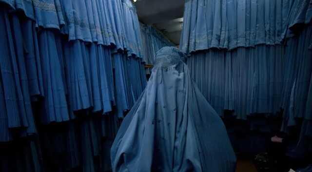 """""""Мэр"""" Кабула от """"Талибана"""" приказал женщинам-госслужащим оставаться дома"""