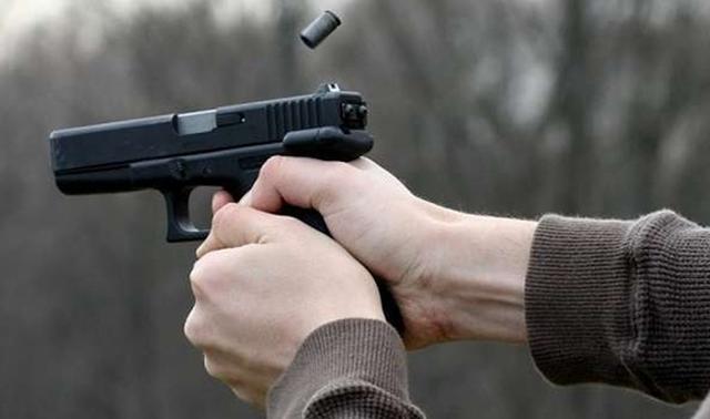 Во Франции задержали россиянина, который устроил стрельбу на Елисейских полях и ранил четырёх человек