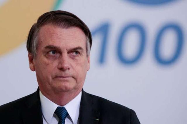 Невакцинированного президента Бразилии не пустили в ресторан в Нью-Йорке